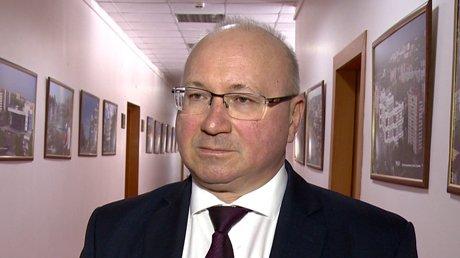 Начальник Управления образования Юрий Голодяев