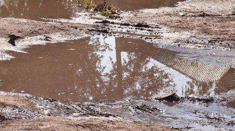 Грязь и вода: пензенцы пожаловались на дорогу на улице Литейной