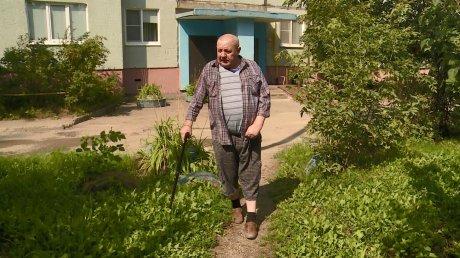 На улице Глазунова инвалида возмутило исчезновение скамейки