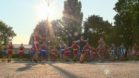 В Пензе боксеры устроили совместную тренировку на улице