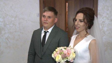 В Пензе церемонии бракосочетания стали чаще проводить на выезде