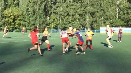 Каменские регбистки готовятся к соревнованиям в Сочи