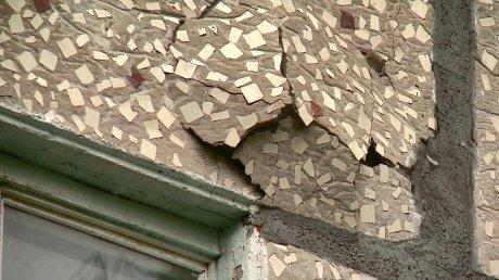 Жители Ульяновской, 60, страдают из-за постоянных протечек