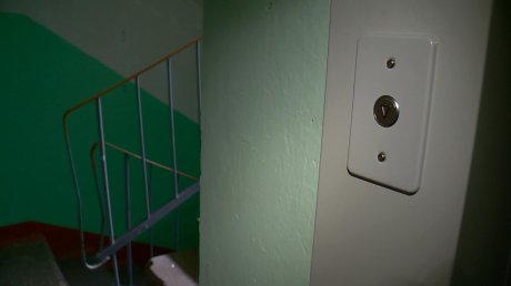 Жители дома на Терновского несколько месяцев ожидают запуска лифтов