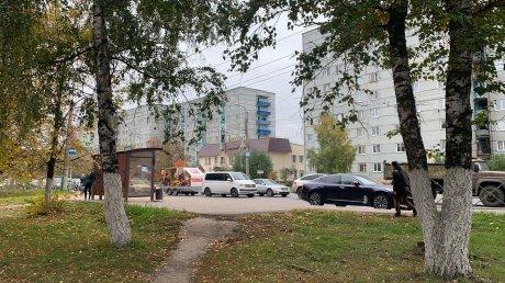 Из-за пожара на фабрике игрушек перекрыли улицу Калинина